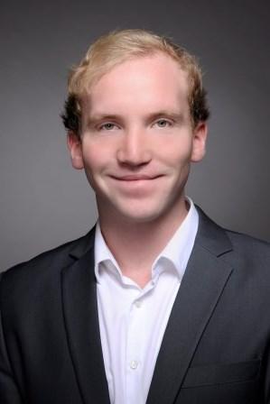 Nicolas Dirks Lehrstuhl F R Operations Management Prof